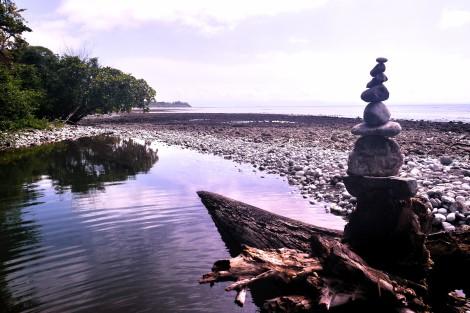ReStartExperiment.com, rock tower, stacked rocks, monument, beach rocks, costa rica, ebenezer